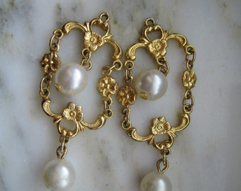 Vintage Gold Tone Floral Imitation Pearl Dangle Earrings