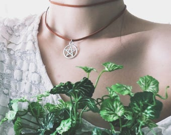 Faux Suede Choker w Pentagram Charm / Witchcraft-Wiccan-Wicca-Pagan-Jewelry-Necklace-Pentacle-Star-metaphysical-occult-boho-Ajustable