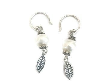 Sterling Silver Freshwater Cultured White pearl Earrings