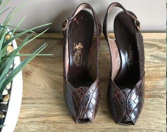 Vintage 1940s Alligator Brown Slingback Peeptoe Pumps with Gold Buckle/ 40s Peeptoe Pumps Slingback / Pin Up Girl Shoes Rockabilly