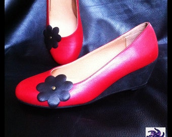 Shoes leather red cowhide and leather black Sweden-compensated.