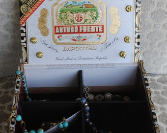 Upcycle Box, Cigar Jewelry Box, EcoFriendly Box, Storage Box,  Gift Fathers Gift, Mothers Gift,  Dominican Republic, Repurposed Box