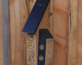 Bee Hotel, Bug House