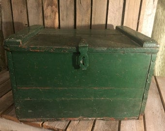 1942 Hood Milk Crate with Ice Chest/Wooden Crate/Vintage Wood Crate/Old Wooden Crate/Wooden Milk Crate/Wooden Milk Box/Vintage Crate/Crates