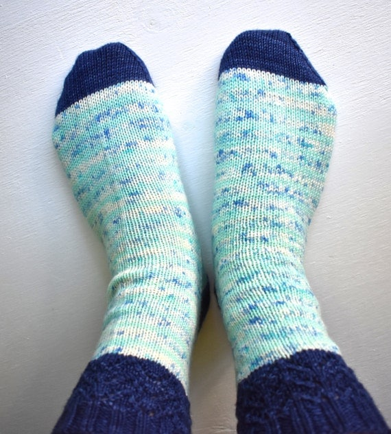 Striped Lacy Socks Knitting Pattern // Sock Knitting ...