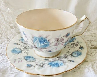 Aynsley Bone China Swirl Teacup and Saucer Blue Roses Pattern Pink Interior