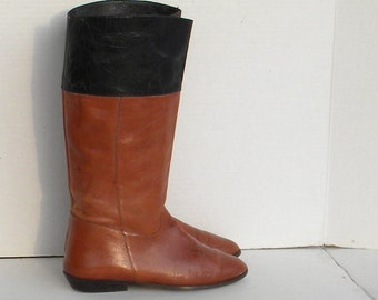 Vintage boots. Women boots, Sz 10 Vintage brown and black tall leather flat 1980s 9west women riding boots.