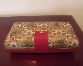 Beautiful USA-MELE Fashion Jewelry Travel Case Burgundy & Floral