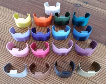 The Tail Cuff. Ponytail Accessory. 'Cover that tail!'  Circles the tail. Easy to use.  Light weight.  Colorful. Slides onto your band.