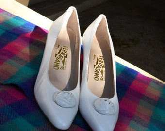 Timeless Vintage Salvatore Ferragamo White Shoes, Size 10 AA (Made in Italy)