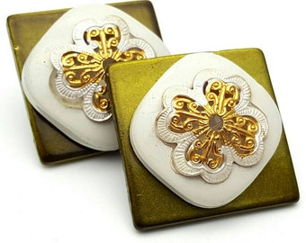 Intricate Olive and White Square Large Stud Earrings Vintage from the 80s Gold Tone Plastic Light weight