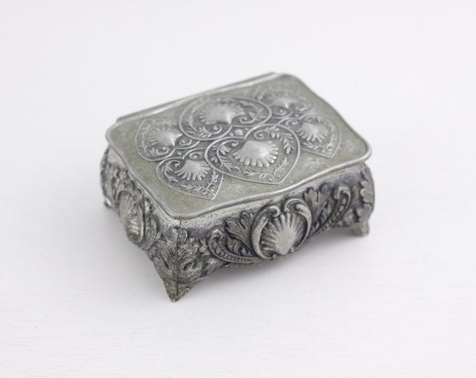 Small jewelry box with hearts and shells, silver toned trinket box, cufflink box, jewelry storage box, gift for him or her