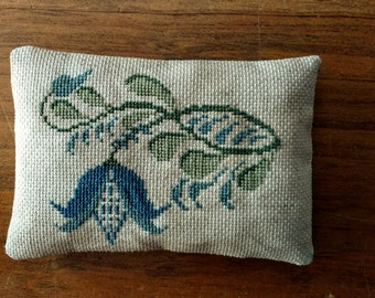 Jacobean Cross Stitched Pintuck