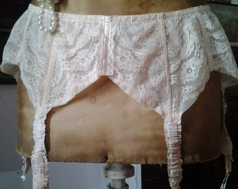 Lovely VINTAGE FRENCH lacy pink suspender belt - 40's - 50's era - cheeky and oh so nostalgic !