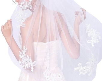 Aynslie Veil with Lace and rhinestones