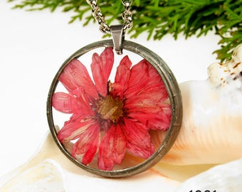 Necklace with natural flower 1381 Romantic jewelry  Terrarium Gift for her Dried flower jewelry Real plant jewelry Resin jewelry Boho