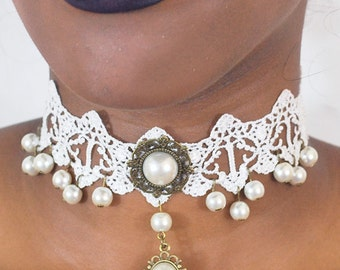 Dripping in Pearls choker