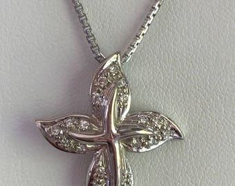 Silver cross pendent