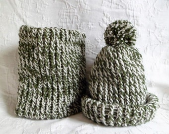 Set 1 cup + 1 snood scarf hand-knitted baby pine green and ecru