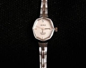Beautiful Vintage Benrus Ladies Silver Tone Watch