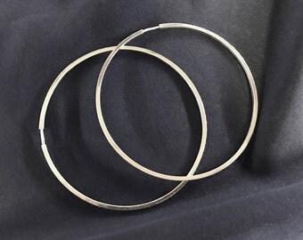 Pure classics - woman's earrings.