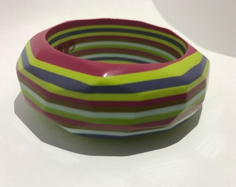 Stripe lucite bracelet multicolored ring bakelite bangles