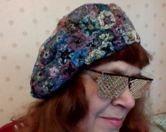 Winter warm beret from motives executed in style a Sophie Digard