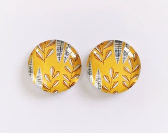 The 'Helena' Glass Earring Studs