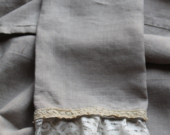 Lacey Linen Cloth