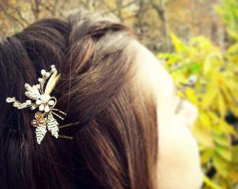 Gold flower bridal hairpin