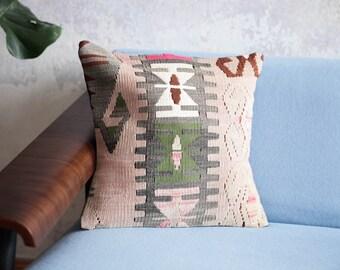 Vintage Kelim pillow 40 x 40 cm. Kilim apartment Berlin. Wool pillow. Rug cushion pillow.