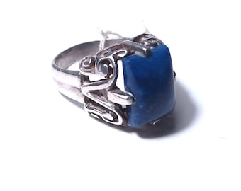 Ethnic silver and lapis lazuli ring