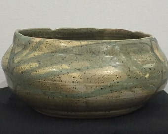 Green veined bowl