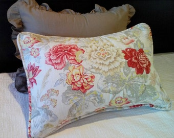 Floral Standard Pillow Shams Pillow Shams with Envelope Closure Piping Pillow Shams