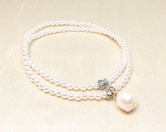 Set of 2 tiny pearl bracelets, stretch pearl bracelet, simple pearl bracelet, Freshwater pearl charm stretch bracelet