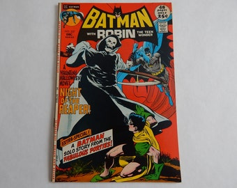 DC Comics - Bronze Age - Batman #237 - First Appearance of the Reaper - Off White pages / Cream Pages