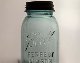 Quart Sized Ball Perfect Mason Jar With Original Zinc Lid