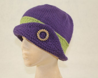 Cloche 100% Wool Hand Knit Vintage Style Purple with Green Band