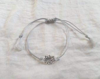 Lotus Flower macrame bracelet subtle