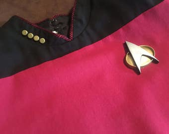 Star Trek TNG/DS9/VOYAGER Uniform PIP's and Com Badge set