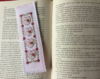 Bookmark - Hearts and Roses.