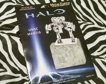 Halo UNSC Mantis 3D Metal Earth Laser Cut Model Kit by Fascinations
