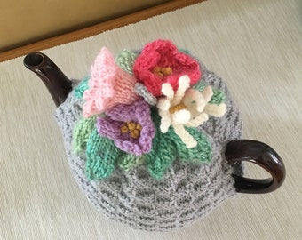 Tea Cosy with flowers; hand-knitted