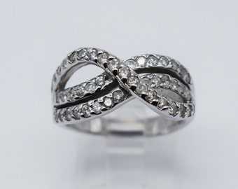 14K White Gold Beautiful Lady Ring with 1.12 Ct Round Diamonds #1106