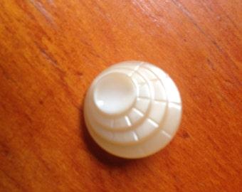 1 vintage glass deco button c1930s-40s