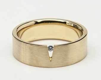 """Goldring """"Triangle"""" with grey natural colored brillant"""