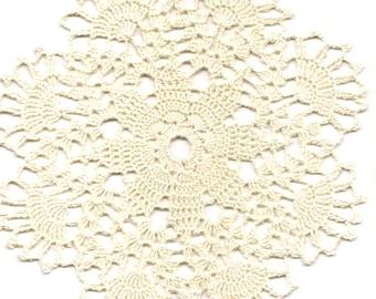Crochet Doily Small Crocheted Doilies Home Decor Cream Handmade Tablecloth Wedding Table Decoration Modern Home Interior Round Vintage Style