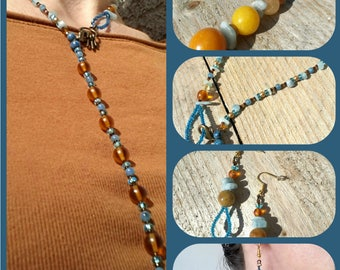 Adornment woman turquoise and copper necklace and loops in glass beads and acute marine ships