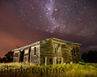 Old building photography, abandoned building, farmhouse, rural queensland, stars, night sky, milky way