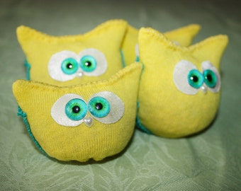 Yellow and turquoise Sunny Lucky Owlie.